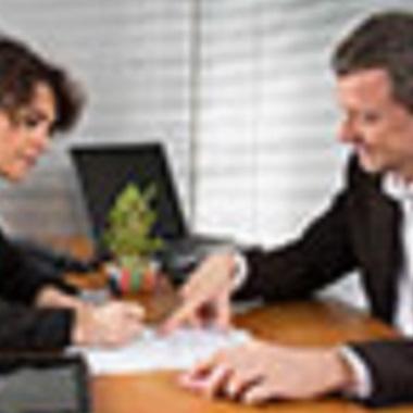 Muss man einen Dienstvertrag schriftlich abschließen?